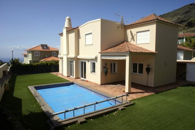 5 Bed  Villa/House for Sale, La Orotava, Tenerife - IC-VCH10444 1