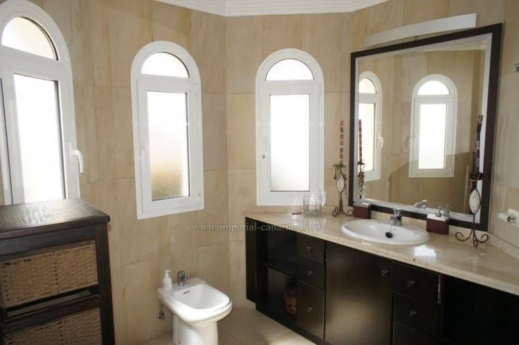 5 Bed  Villa/House for Sale, La Orotava, Tenerife - IC-VCH10444 10