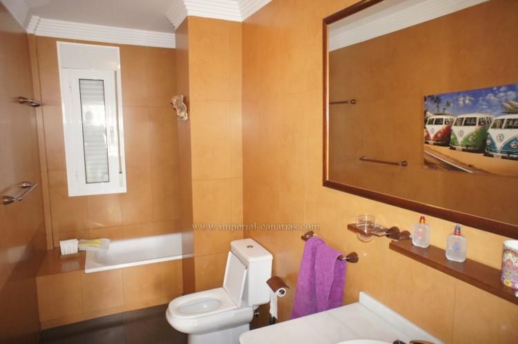 5 Bed  Villa/House for Sale, La Orotava, Tenerife - IC-VCH10444 13