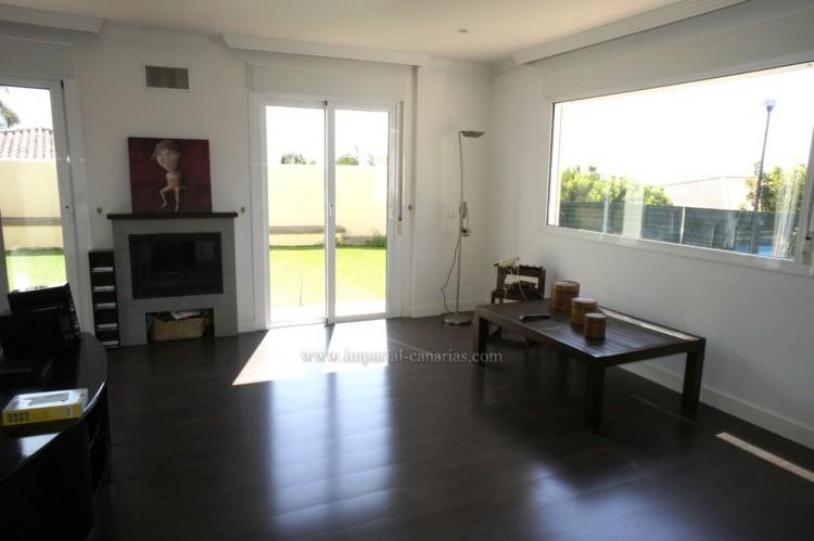 5 Bed  Villa/House for Sale, La Orotava, Tenerife - IC-VCH10444 4