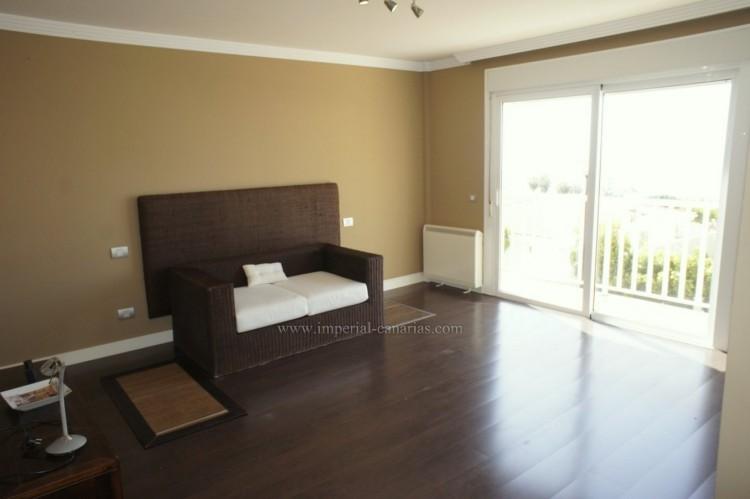 5 Bed  Villa/House for Sale, La Orotava, Tenerife - IC-VCH10444 9