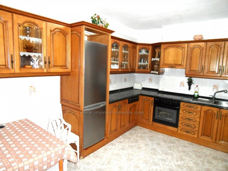4 Bed  Flat / Apartment for Sale, Puerto de la Cruz, Tenerife - IC-VPI10441 3