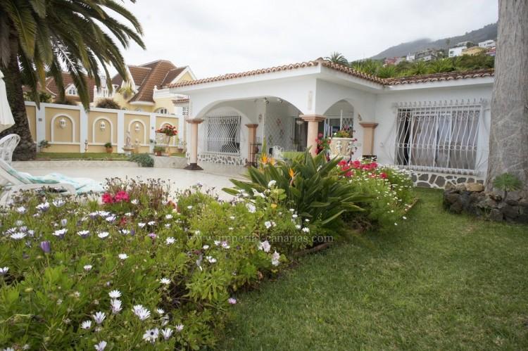 2 Bed  Villa/House to Rent, Santa Ursula, Tenerife - IC-ACH10437 1