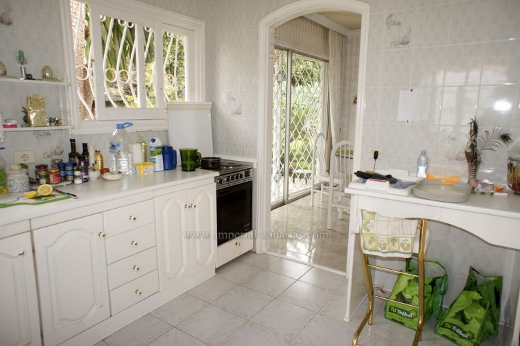2 Bed  Villa/House to Rent, Santa Ursula, Tenerife - IC-ACH10437 12