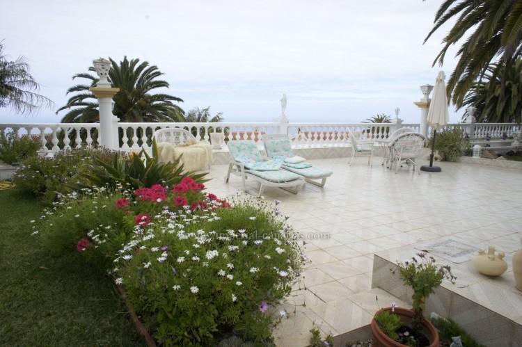 2 Bed  Villa/House to Rent, Santa Ursula, Tenerife - IC-ACH10437 2