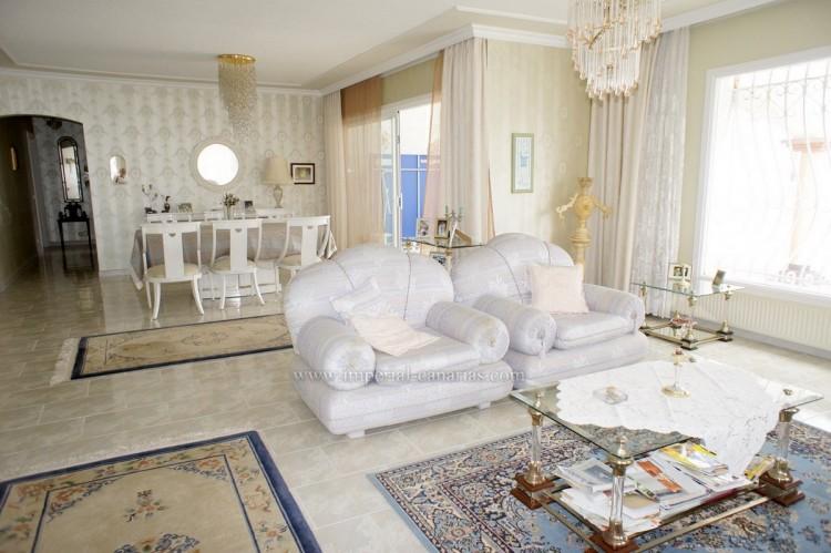 2 Bed  Villa/House to Rent, Santa Ursula, Tenerife - IC-ACH10437 3