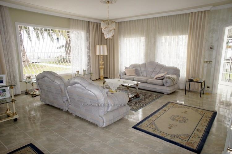 2 Bed  Villa/House to Rent, Santa Ursula, Tenerife - IC-ACH10437 4