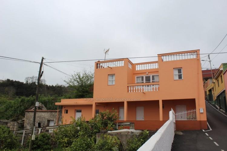 4 Bed  Villa/House for Sale, Los Realejos, Tenerife - IC-VCH10432 20