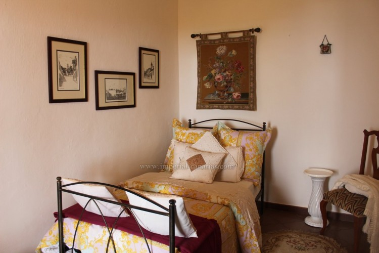 4 Bed  Villa/House for Sale, Los Realejos, Tenerife - IC-VCH10432 5