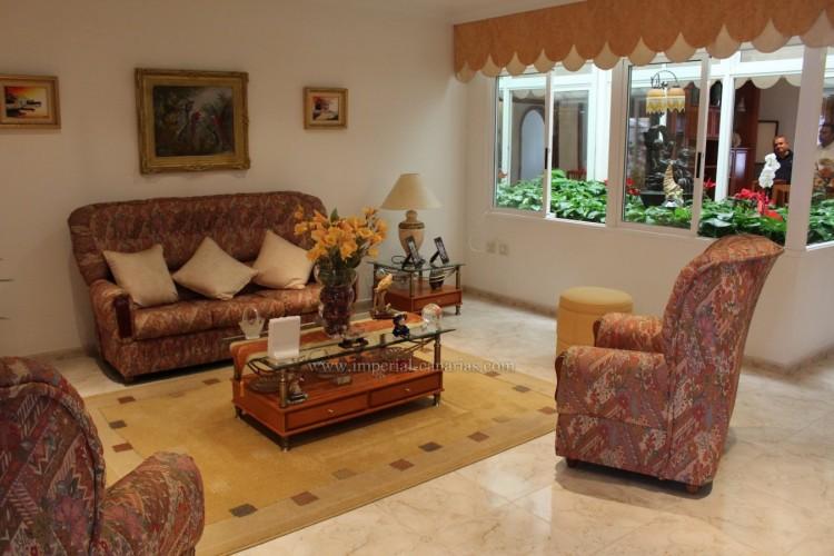 3 Bed  Villa/House for Sale, Puerto de la Cruz, Tenerife - IC-VAD10420 1