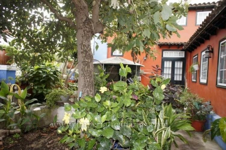 4 Bed  Villa/House for Sale, Los Realejos, Tenerife - IC-VCH10341 1