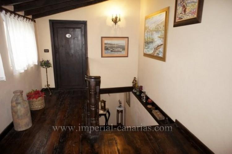 4 Bed  Villa/House for Sale, Los Realejos, Tenerife - IC-VCH10341 11