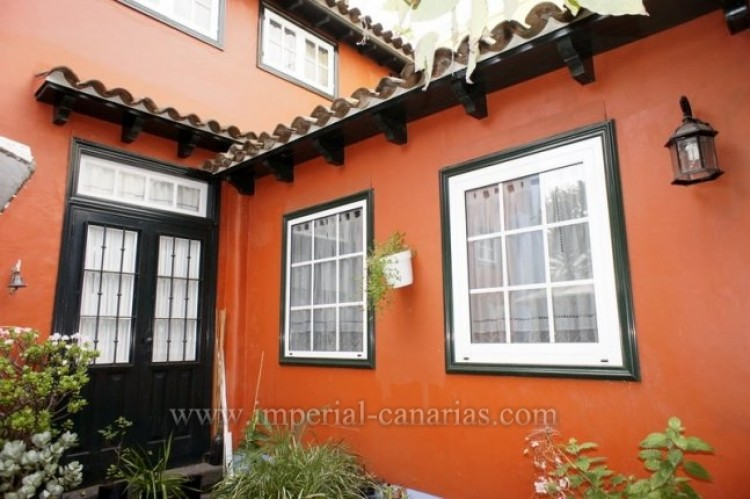 4 Bed  Villa/House for Sale, Los Realejos, Tenerife - IC-VCH10341 16