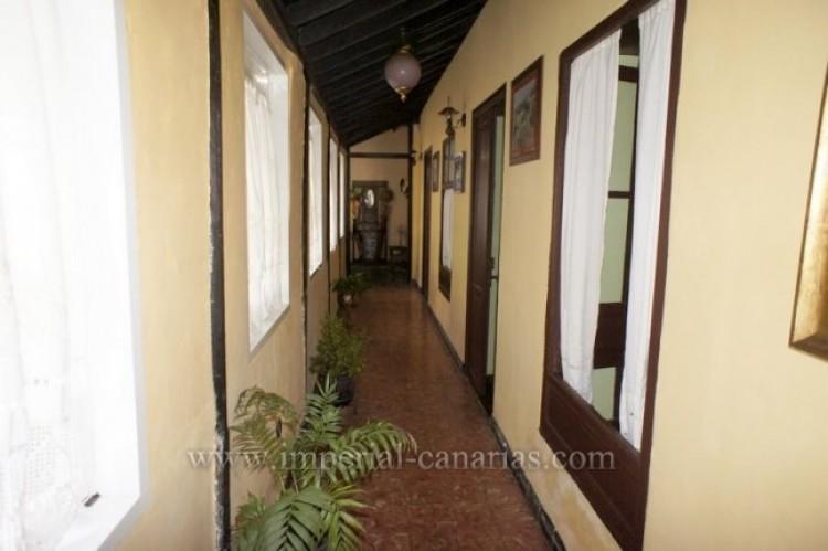 4 Bed  Villa/House for Sale, Los Realejos, Tenerife - IC-VCH10341 3