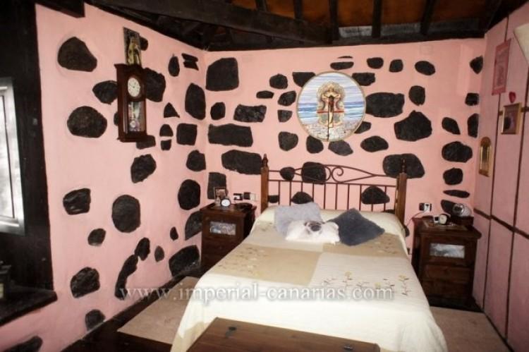 4 Bed  Villa/House for Sale, Los Realejos, Tenerife - IC-VCH10341 6