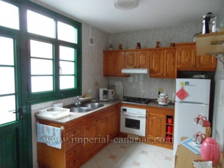 2 Bed  Flat / Apartment to Rent, Puerto de la Cruz, Tenerife - IC-API10310 4