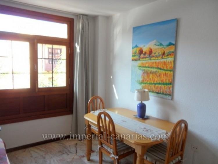 2 Bed  Flat / Apartment to Rent, Puerto de la Cruz, Tenerife - IC-API10310 9