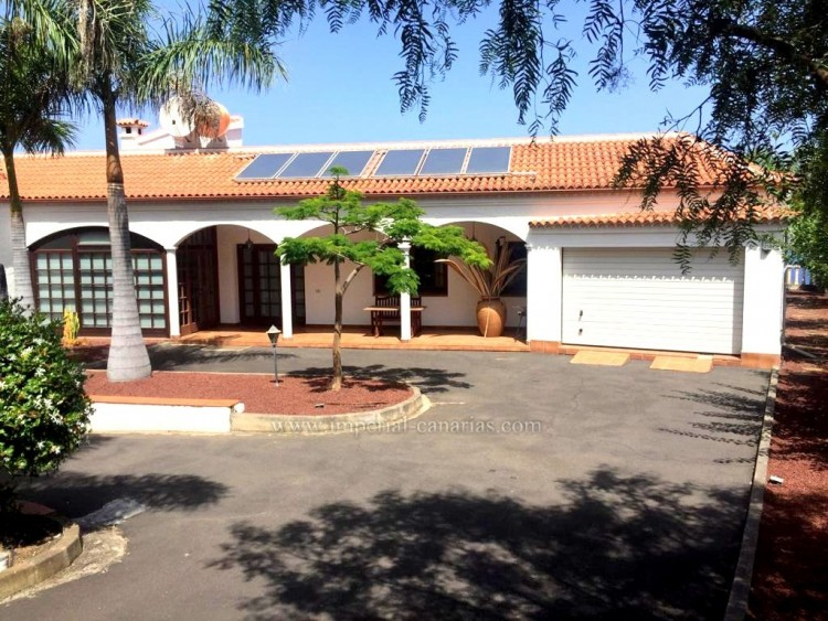 4 Bed  Villa/House for Sale, El Sauzal, Tenerife - IC-VCH10289 3