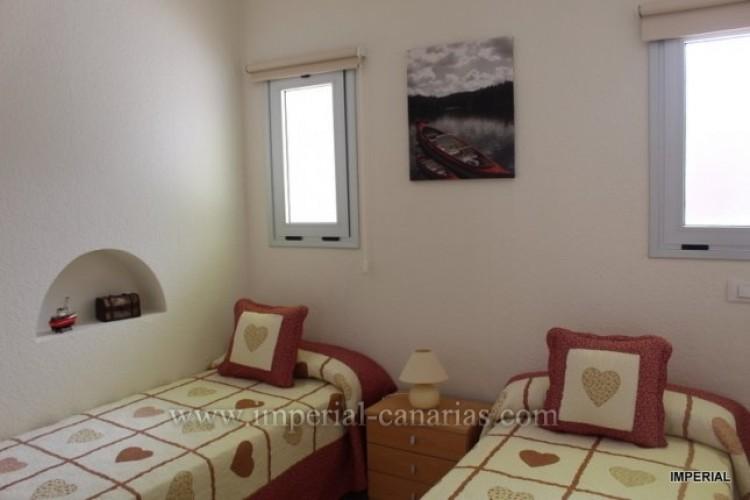 2 Bed  Flat / Apartment for Sale, Puerto de la Cruz, Tenerife - IC-VAT10278 6