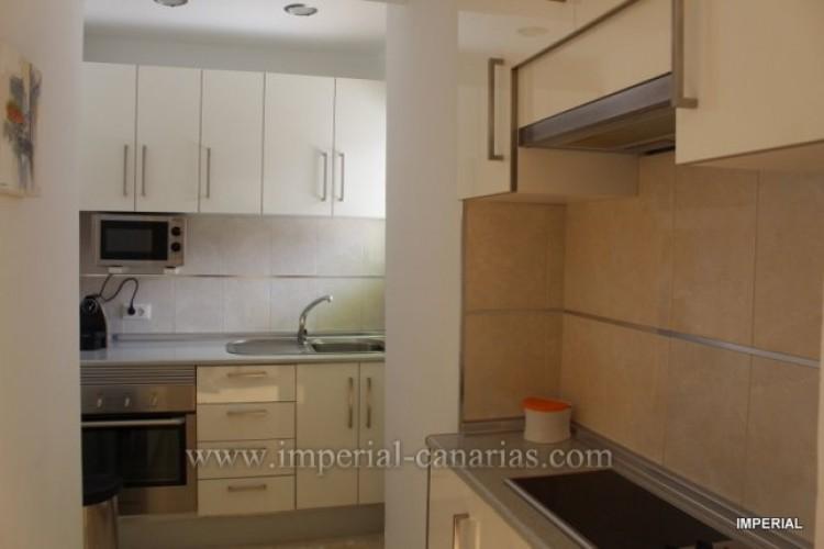 2 Bed  Flat / Apartment for Sale, Puerto de la Cruz, Tenerife - IC-VAT10278 7