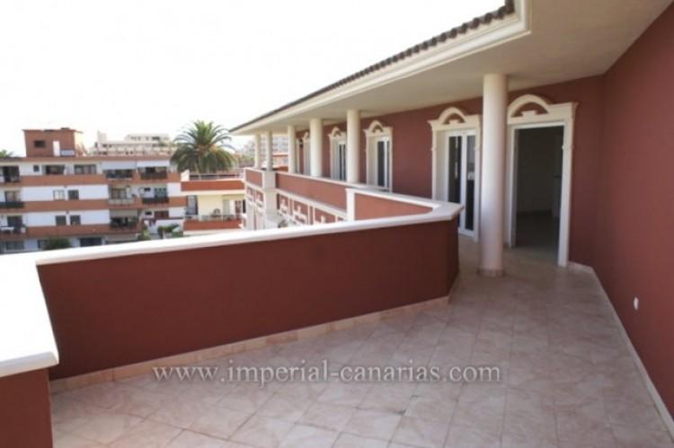 3 Bed  Flat / Apartment for Sale, Puerto de la Cruz, Tenerife - IC-VAT10239 3