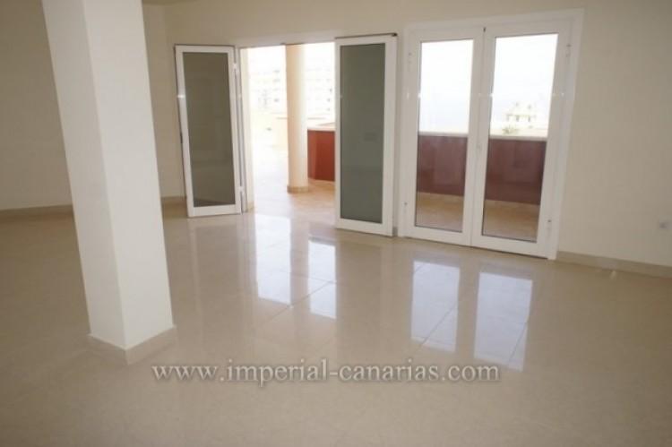 3 Bed  Flat / Apartment for Sale, Puerto de la Cruz, Tenerife - IC-VAT10239 5