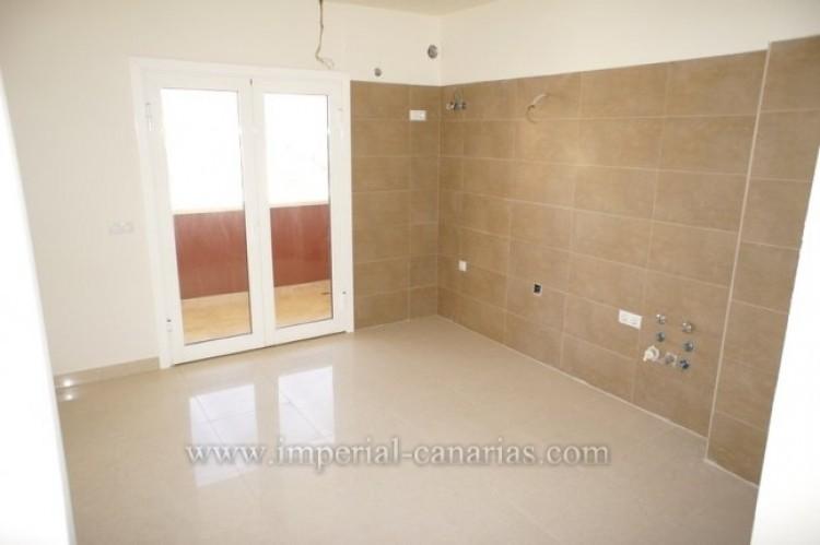 3 Bed  Flat / Apartment for Sale, Puerto de la Cruz, Tenerife - IC-VAT10239 6