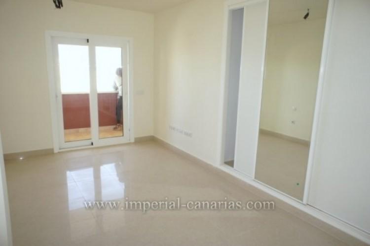 3 Bed  Flat / Apartment for Sale, Puerto de la Cruz, Tenerife - IC-VAT10239 7