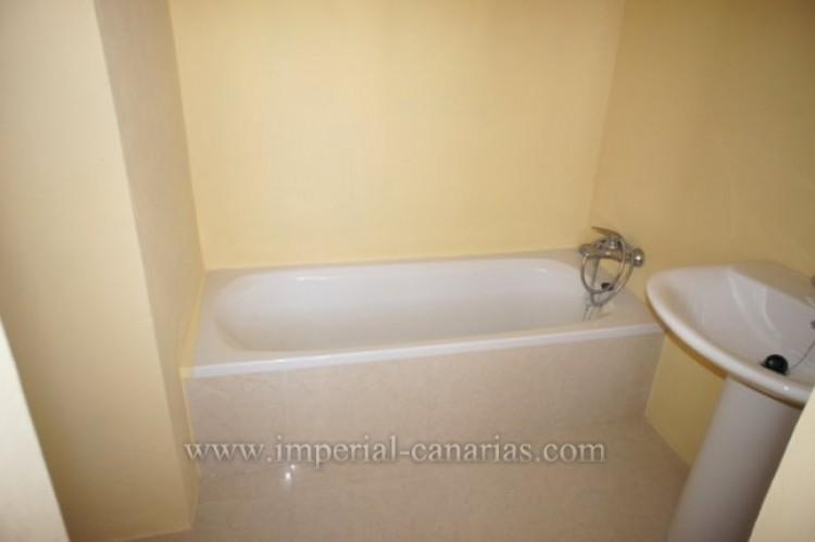 3 Bed  Flat / Apartment for Sale, Puerto de la Cruz, Tenerife - IC-VAT10239 9