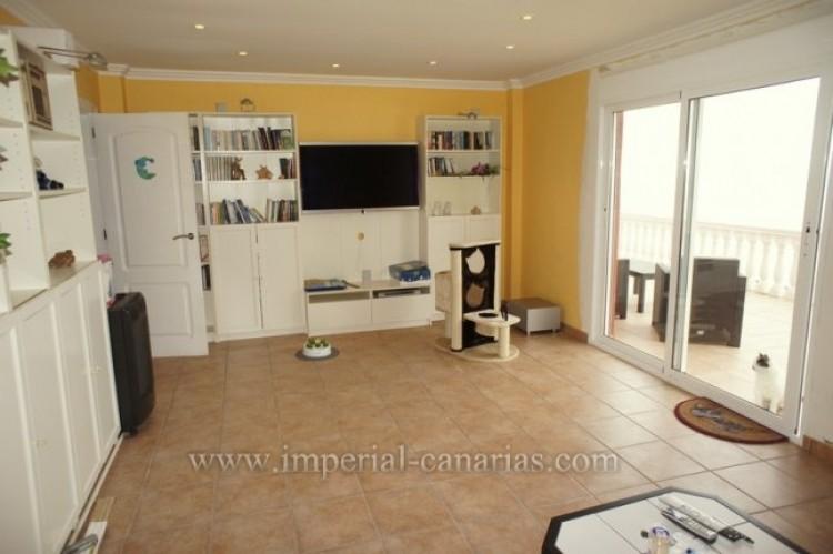 3 Bed  Villa/House for Sale, Santa Ursula, Tenerife - IC-VCH10234 10