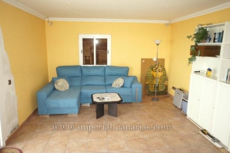 3 Bed  Villa/House for Sale, Santa Ursula, Tenerife - IC-VCH10234 11