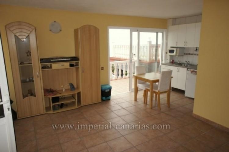 3 Bed  Villa/House for Sale, Santa Ursula, Tenerife - IC-VCH10234 14