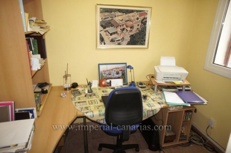 3 Bed  Villa/House for Sale, Santa Ursula, Tenerife - IC-VCH10234 15