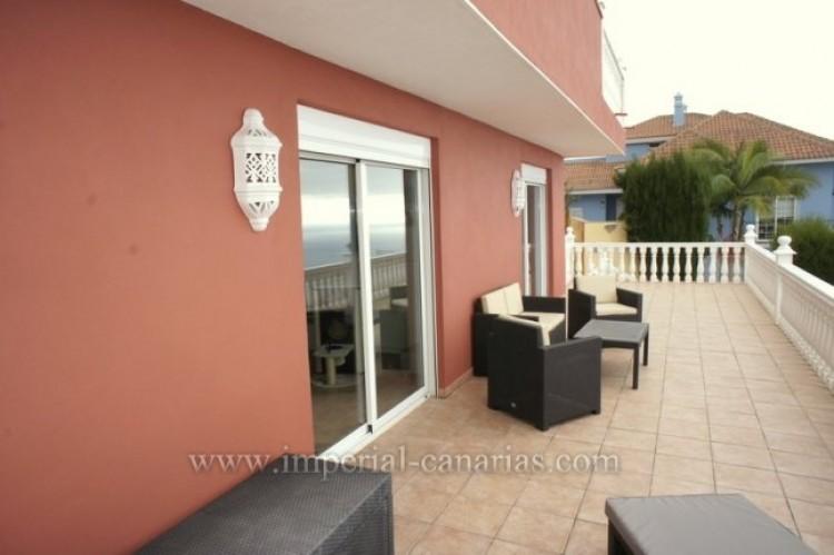3 Bed  Villa/House for Sale, Santa Ursula, Tenerife - IC-VCH10234 2