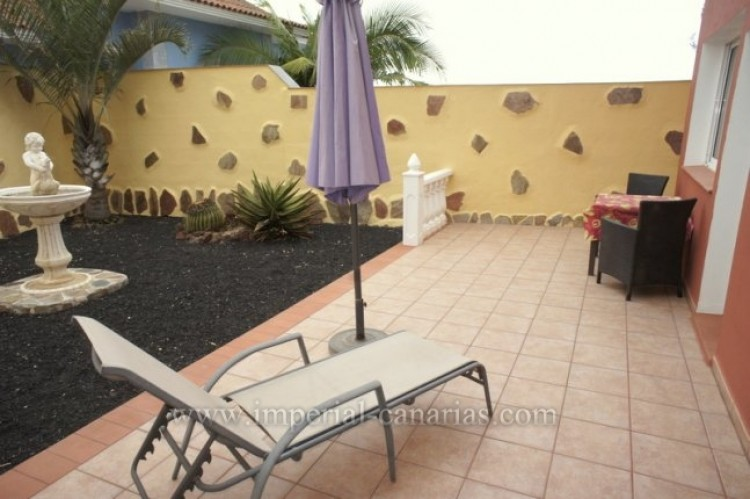 3 Bed  Villa/House for Sale, Santa Ursula, Tenerife - IC-VCH10234 4