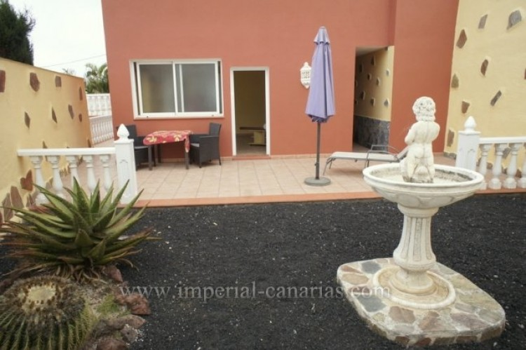 3 Bed  Villa/House for Sale, Santa Ursula, Tenerife - IC-VCH10234 5