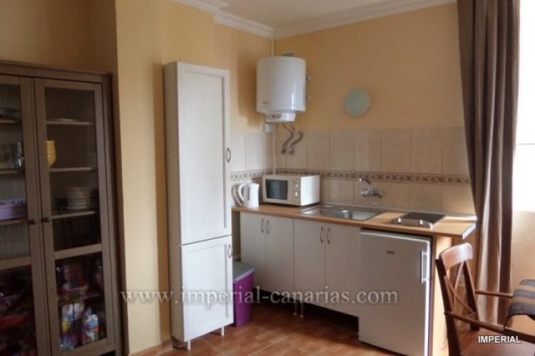 Flat / Apartment to Rent, Puerto de la Cruz, Tenerife - IC-AES10218 3