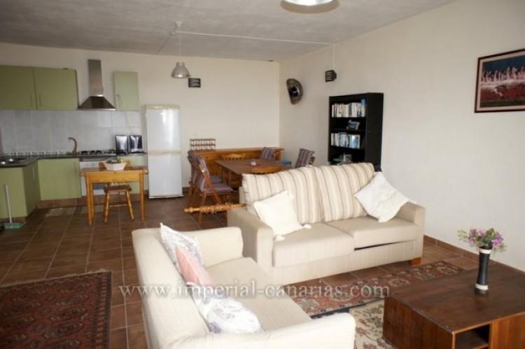 4 Bed  Villa/House for Sale, Santa Ursula, Tenerife - IC-VCH10206 10
