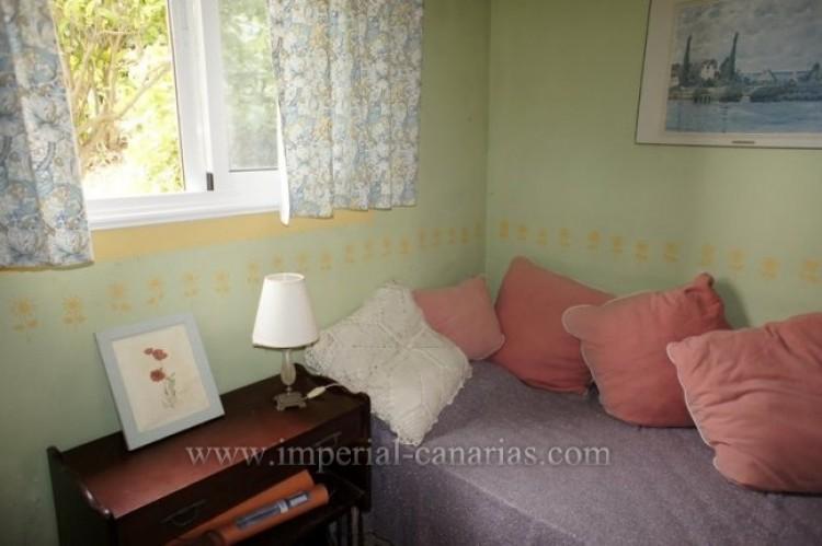 4 Bed  Villa/House for Sale, Santa Ursula, Tenerife - IC-VCH10206 11