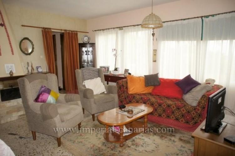 4 Bed  Villa/House for Sale, Santa Ursula, Tenerife - IC-VCH10206 3
