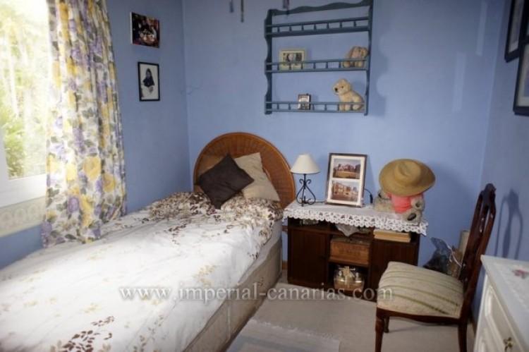 4 Bed  Villa/House for Sale, Santa Ursula, Tenerife - IC-VCH10206 5