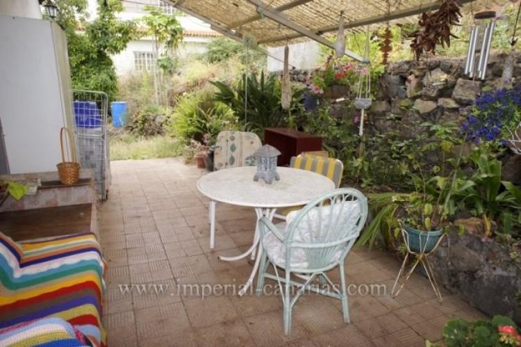 4 Bed  Villa/House for Sale, Santa Ursula, Tenerife - IC-VCH10206 9