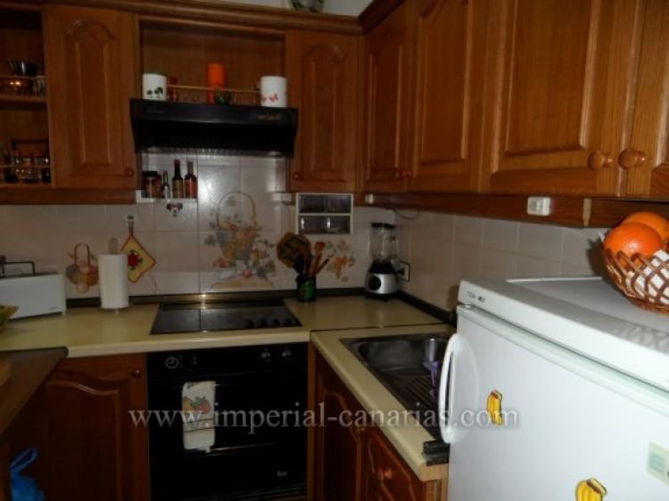 2 Bed  Flat / Apartment for Sale, Puerto de la Cruz, Tenerife - IC-VAP10200 12