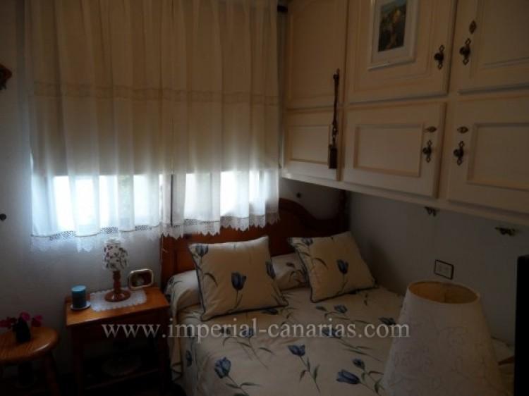 2 Bed  Flat / Apartment for Sale, Puerto de la Cruz, Tenerife - IC-VAP10200 9