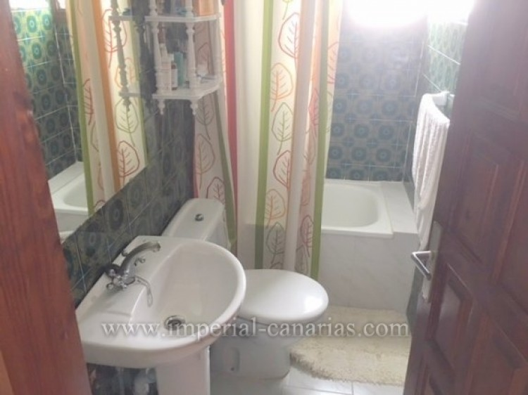 3 Bed  Villa/House for Sale, Los Realejos, Tenerife - IC-VCH10154 4