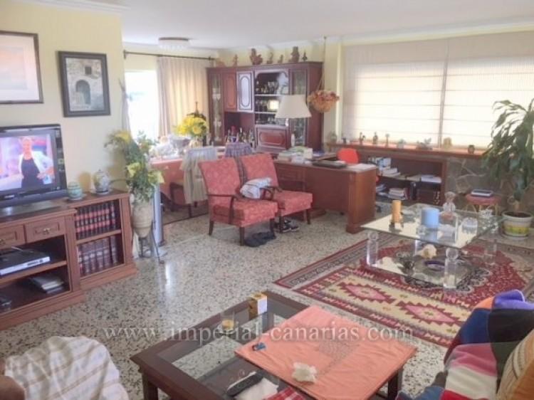 3 Bed  Villa/House for Sale, Los Realejos, Tenerife - IC-VCH10154 8
