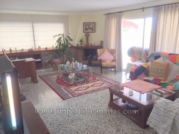 3 Bed  Villa/House for Sale, Los Realejos, Tenerife - IC-VCH10154 9