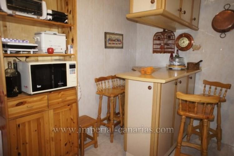 3 Bed  Flat / Apartment for Sale, Santa Ursula, Tenerife - IC-VPI10127 6