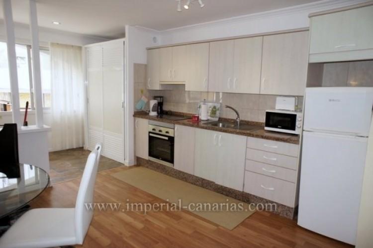 2 Bed  Flat / Apartment for Sale, Puerto de la Cruz, Tenerife - IC-VPI10079 8