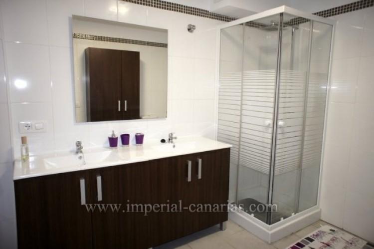 2 Bed  Flat / Apartment for Sale, Puerto de la Cruz, Tenerife - IC-VPI10079 9